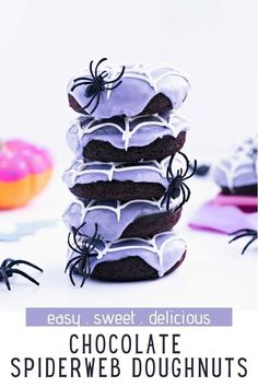 Bake up some fun and festive Chocolate Spider Web Doughnuts for Halloween this year! The chocolate doughnuts in this recipe are DELIGHTFUL. I'm serious… they are moist and chocolatey (without being too rich) and baked to perfection (instead of fried). And did I mention they are adorable?! Halloween Party Treats, Halloween Baking, Halloween Desserts, Halloween Cakes, Best Chocolate, Delicious Chocolate, Chocolate Lovers, Melting Chocolate, Homemade Desserts