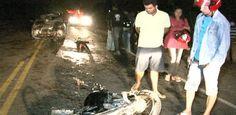 Seis pessoas morreram em acidentes envolvendo motos nesse fim de semana no interior - Cinco acidentes envolvendo moto aconteceram durante o fim de semana nas estradas que cortam o interior de Pernambuco. Seis pessoas morreram e uma ficou ferida nas colisões.    O primeiro acidente foi na tarde do último sábado (20) em Ouricurí, no Sertão do Estado. Dois homens morreram após uma moto bater em um caminhão.  Segundo a PRF, os agricultores, Josivan Antônio da Silva, 25 anos, Marcelo Soares Mend