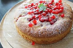 It's a Midsummernight's dream. Sweet, creamy and fresh. Watch recipe in HD. You can substitute the redcurrants with most any other fruit or berry.