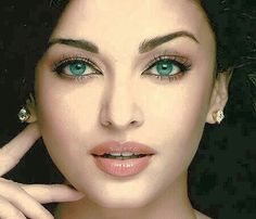 Exclusive Bollywood Actresses Hot HD Wallpapers, Heroine Photos, Girls Pictures, Indian Models Images, Bikini Babes & Beautiful Indian Celebrities from latest Photoshoots. Aishwarya Rai Wallpaper, Aishwarya Rai Images, Actress Aishwarya Rai, Aishwarya Rai Bachchan, Bollywood Actress, Bollywood News, Most Beautiful Eyes, Gorgeous Women, Beautiful People
