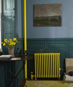 Painted radiator - Stylish Radiator Cover Ideas For Summer – Painted radiator Painted Radiator, Painted Walls, Old Radiators, Painting Radiators, Industrial Interior Design, Industrial Interiors, Industrial Lamps, Industrial Furniture, Vintage Industrial