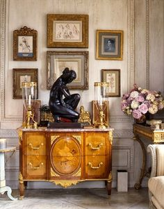The Zhush: Book Review: Fifth Avenue Style: A Designer's New York Apartment