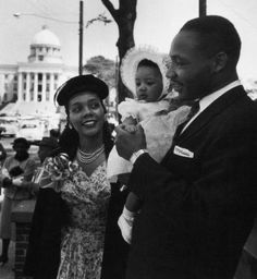 Martin Luther King Jr. with his wife Coretta and young daughter