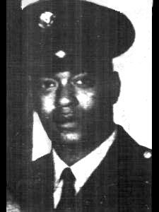Larrie Cornelius Allen  Sergeant  HHB, 8TH BN, 4TH ARTILLERY, 108TH ARTY GROUP, XXIV CORPS, USARV  Army of the United States Jackson, Michigan  April 22, 1948 to August 22, 1970 LARRIE C ALLEN is on the Wall at Panel W8, Line 128