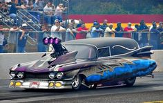 Certainly not recommended for funerals, this drag racing conversion started out as a Cadillac hearse ! Nhra Drag Racing, Auto Racing, Flower Car, Old Race Cars, Weird Cars, Bizarre, Drag Cars, Car Humor, Courses