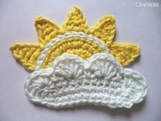 The Rising Sun - free crochet applique pattern at Made In Craftadise. Crochet Home, Love Crochet, Crochet Crafts, Crochet Yarn, Yarn Crafts, Crochet Flowers, Crochet Shawl, Appliques Au Crochet, Crochet Applique Patterns Free