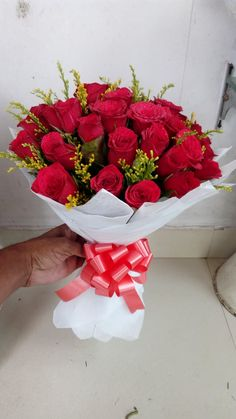 Send this beautiful bunch to your near and dear ones On this Valentine's Day, make your sweetheart feel special with a bunch of 50 Red Roses with paper packing from Online Kharidi Buy Flowers Online, Indore, Red Roses, Strawberry, Make It Yourself, Fruit, Strawberry Fruit, Strawberries, Strawberry Plant
