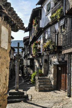 La Alberca is echt heel bijzonder, je gaat er terug in de tijd. Klik op de foto en zie meer magische plekken in Spanje.