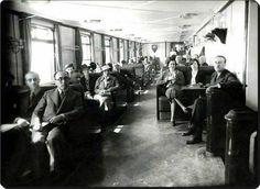 1940 - #İstanbul Şehir Hatları vapurlarından birinin içi ve yolcuları.
