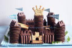 DIS MAMAN, ON MANGE QUOI ?: Un anniversaire de Super Chevalier Mousquetaire ou le parfait gâteau pour Super-Maman pas (tout à fait) parfaite !
