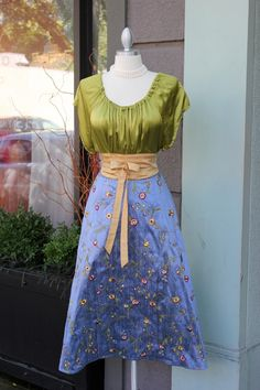 Lovely top and skirt.
