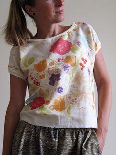 halenečka jemná Drawstring Backpack, Floral Tops, Women, Fashion, Moda, Top Flowers, Fasion, Fashion Illustrations, Fashion Models