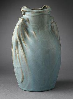 aleyma:    Van Briggle Pottery, Vase, 1907 (source).