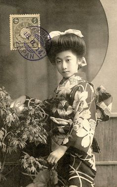Haruko with Maple Leaves 1914.  Geigi (geisha) Haruko of Tokyo. Text and image via Blue Ruin 1 on Flickr