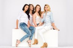 blue white casual spring fashion stylish abercrombie models friends cute cool tones