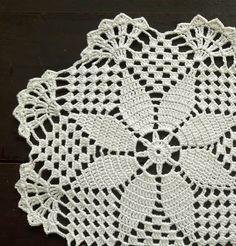 Cream round crochet handmade doily no gambale s 347 media analytics – Artofit Filet Crochet, Crochet Doily Patterns, Crochet Round, Crochet Home, Thread Crochet, Crochet Designs, Crochet Doilies, Crochet Flowers, Crochet Stitches
