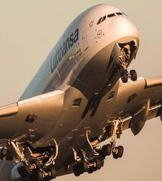 This Lufthansa Airbus is shown right after takeoff and is retracting its landing gear in this terrific photo. Aviation World, Civil Aviation, Aviation Art, Commercial Plane, Commercial Aircraft, Airbus A380, Plane Photos, Airplane Photography, Passenger Aircraft