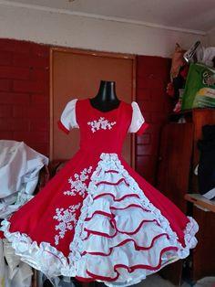 Vestido de huada Kids Frocks, Dress Girl, Folk, Girls Dresses, Outfits, Fashion, Templates, Briefs, Carnival