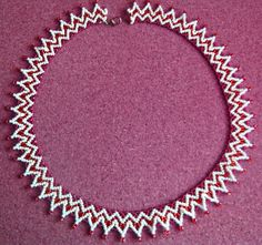 Free pattern for beautiful beaded necklace Donna      Click to get book about Beading