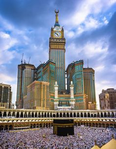 Kaaba Masjid Al-Haram & Zam-zam Clock Tower, Makkah (Mecca, Saudi Arabia) Mecca Masjid, Masjid Al Haram, Beautiful Mosques, Beautiful Places, Amazing Places, Mecca Wallpaper, Mekkah, Islamic Images, Islamic Pictures