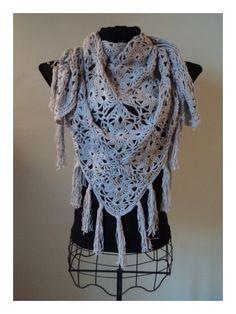 super blog ! Rosalie, elle vend de la bonne et belle laine bon marché et d'autres choses encore et créatrice styliste au crochet etc;..Française.http://lespetitescreationsderosalie.over-blog.com/article-ma-petite-boutique-le-cheche-thea-85625090.html