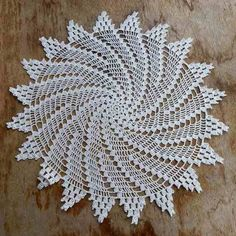 Gothic Lace Doily by Elizabeth Ann White Crochet Dollies, Crochet Lace Edging, Crochet Round, Crochet Crafts, Crochet Yarn, Crochet Projects, Crotchet Patterns, Doily Patterns, Crochet Baby Sweaters