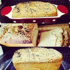 Ev Yapımı Ekmek  -  Miray Can #yemekmutfak.com Evinizde kendi ekmeğinizi yapmak istemez misiniz? Evde ekmek yapmak için evinizde ekmek makinası olması gerekmiyor, fırında da çok güzel ekmekler yapmak mümkün. Bu pratik tarif ile dilediğiniz zaman mis kokulu, taze ekmekler hazırlayabilir, kahvaltılarınızda, yemeklerinizde herkese zevkle ikram edebilirsiniz. Bu ölçüler ile yaparsanız sonucun çok başarılı olacağına emin olun.