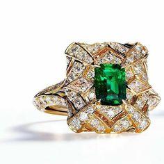 Kat Florence Russian emerald ring