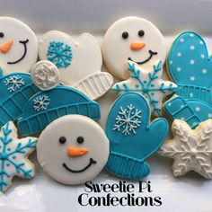 Items similar to Winter Decorated Cookies Snowflakes cookies snowman cookie mittens winter hat Decorated Cookies Frozen Cookies Blue on Etsy Christmas Sugar Cookies, Holiday Cookies, Christmas Desserts, Christmas Treats, Christmas Baking, Christmas Cupcakes, Frozen Cookies, Iced Cookies, Royal Icing Cookies