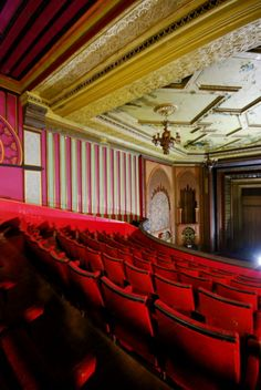 Walthamstow Granada -_> I don't know what or where this is. A cinema?