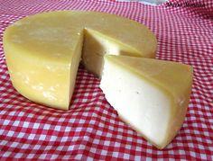 O melhor queijo do Brasil e um dos melhores do mundo. Conheça o Queijo Canastra: história, origem e como é feito.