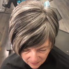 Hair Beauty - A short cut has always been a good option for an everyday style which is also very easy to maintain. But when shorts cuts are combined w Short Hair Styles Easy, Short Hair Cuts For Women, Curly Hair Styles, Short Hairstyles For Women, Easy Hairstyles, Short Haircuts, Short Shaggy Hairstyles, Hairstyle Ideas, Hair Ideas