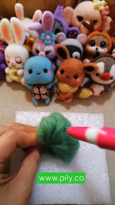 Diy Arts And Crafts, Cute Crafts, Felt Crafts, Paper Crafts, Needle Felting Supplies, Needle Felting Tutorials, Wet Felting Projects, Needle Felted Animals, Felt Animals