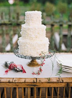 coconut cake | Ali Harper #wedding