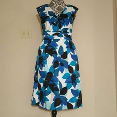 Blue and white multi colored dress Pattern dress with pockets Marvin Richards Dresses Midi