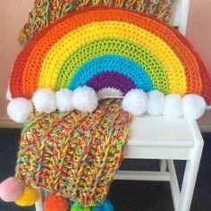 CROCHET: Rainbow Cushion – Crafty CC