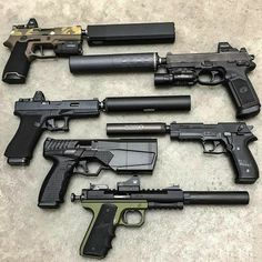 Airsoft hub is a social network that connects people with a passion for airsoft. Talk about the latest airsoft guns, tactical gear or simply share with others on this network Weapons Guns, Airsoft Guns, Guns And Ammo, Military Weapons, Tactical Life, Tactical Gear, Tactical Survival, Rifles, Custom Guns