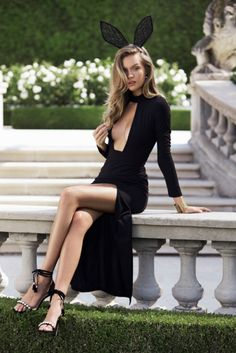 Josephine Skriver -Revolve Clothing New Year's Dresses Sexy Outfits, Sexy Dresses, Fashion Outfits, Dress Fashion, Fashion Mode, Girl Fashion, Josephine Skriver, Revolve Clothing, Beautiful Legs
