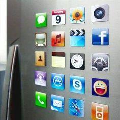 iPhone hasta en la nevera con estos originales imanes con forma de apps  http://www.yougamebay.com/es/product/gadget-iphone-set-de-imanes-iphone-app-icon-para-la-nevera---estilo-y-color-surtidos-18-piezas