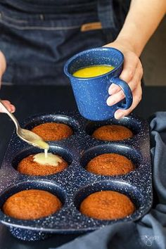 Looking for a unique and delicious dessert? Try this South African dessert, malva pudding mini cakes are absolutely irresistible. Pudding Cupcakes, Pudding Desserts, Pudding Cake, Chia Pudding, Pudding Recipes, Trifle Desserts, Banana Pudding, South African Desserts, South African Dishes
