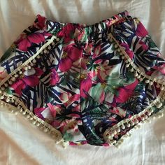 Reduced!!! Floral high waisted boho shorts Floral pattern high waisted short. Size med could fit a small I think. Never worn out only tried on. Shorts
