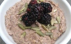 Gluten Free Paleo Porridge Without Oats Or Wheat - This Paleo breakfast porridge is far healthier than oats which contains wheat & other nasty gluten containing grains Paleo Oats, Paleo Diet, Breakfast Porridge, Paleo Breakfast, Paleo Recipes, Oatmeal, Favorite Recipes, Meals, Healthy