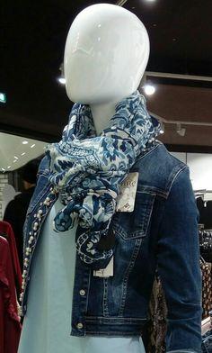 Come si dice: SONO I DETTAGLI A FARE LA DIFFERENZA!  E questa sciarpa sicuramente farebbe la differenza nel vostro LOOK!! Solo da #ishue!!