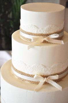 Burlap and lace cake