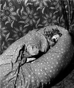 Le petit tzigane de Montreuil  1950 |¤ Robert Doisneau | 13 août 2015 | Atelier Robert Doisneau | Site officiel