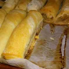 Strudel cu mere din aluat de casa - The Country Cook Easy Recipes Sweet Cooking, Cooking Time, Cooking Recipes, Vegan Desserts, Just Desserts, Good Food, Yummy Food, Romanian Food, Strudel