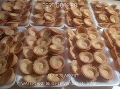 Picture Easy Tart Recipes, Angle Food Cake Recipes, Baking Recipes, Cookie Recipes, Snack Recipes, Dessert Recipes, Desserts, Milktart Recipe, Mini Tart Shells