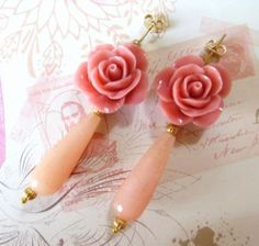 Pink jade drop earrings with coral carved roses di Sofiasbijoux, €32.00
