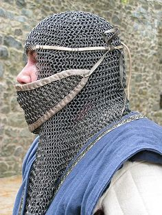 very good detail pic of strapping for a mail coif