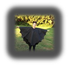 Last Minute Basic Bat Costume - Fairfield World Craft Projects Bat Costume, Diy Costumes, Adult Costumes, Halloween Costumes You Can Make, Halloween Diy, Last Minute Costumes, World Crafts, Diy Halloween Decorations, Sewing Basics